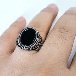 Silver 925 ring, with Ottoman design, inlaid with onyx stone